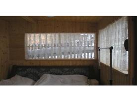 Hlavní místnost s lůžky