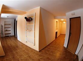Interiér apartmánového domu