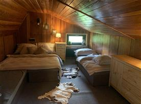 Podkrovní pokoj pro 4 osoby