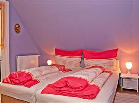 Chata A - větší ložnice