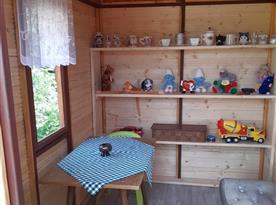 Interiér v dětském domečku.