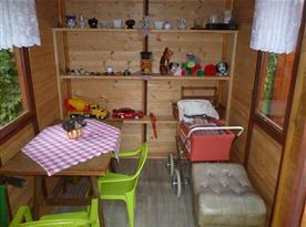 Vybavení dětského domečku.
