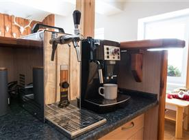 Pivní zařízení a kávovar