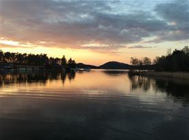 Máchovo jezero při západu slunce