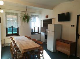 Apartmán č.2 - jídelní kout s kuchyní