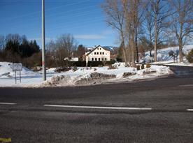Pohled ze silnice v zimě