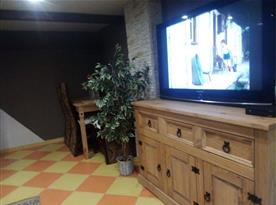 TV v obývacím pokoji