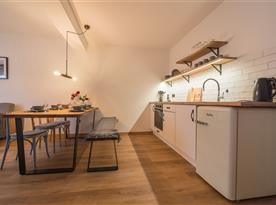 Obytný pokoj s kuchyní B