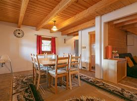 Chalupa pro 8 osob - obývací pokoj