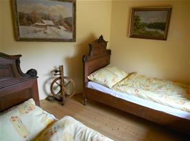 2 jednolůžkové postele