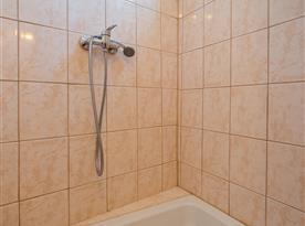 Sprcha v koupelně