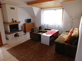 obývací pokoj podkrovního apartmánu