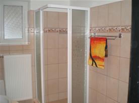 kúpelňa zo 4 os. apart.