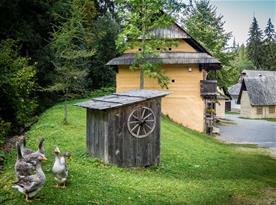 Múzeum oravskej dediny Zuberec (33,7 km)