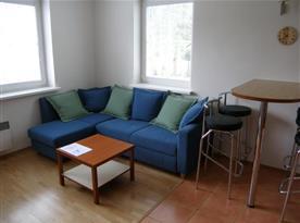 Apartmán A s jídelním koutem a pohovkou