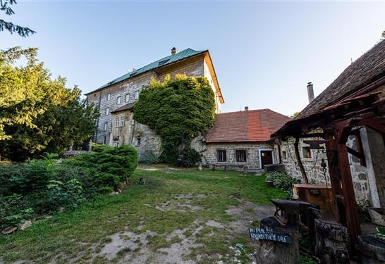 Apartmán(y) Hájovna hradu Houska Blatce