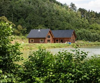 Rekreační dům Srub s rybníkem na samotě Trubín